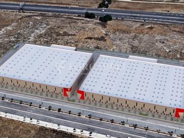 Nau logística en lloguer de 10.306 m² - Santa Perpètua de Mogoda, Barcelona
