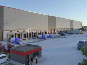 Nau logística en lloguer de 8.856 m² - Barcelona