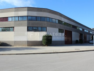 Nau industrial corporativa en venda de 3.285 m² - Granollers, Barcelona