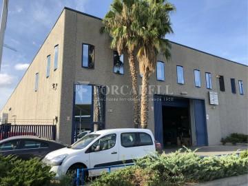 Nave corporativa de obra nueva de 6.216 m² en venta en Barcelona