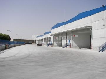 Nau industrial / logística en venda o lloguer d'7.200 m² - Sant Fruitós de Bagès, Barcelona