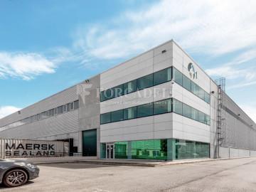 Plataforma logística en alquiler de 18.754  m²  - Pla de Santa Maria, Tarragona.