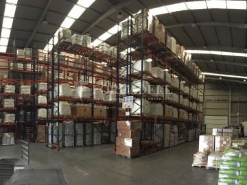 Nau logística en lloguer de 8.050 m² - Sant Esteve Sesrovires, Barcelona