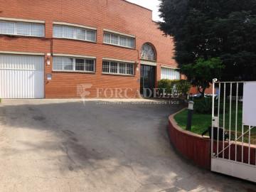 Nau industrial en venda de 500 m² - Sant Esteve Sesrovires, Barcelona