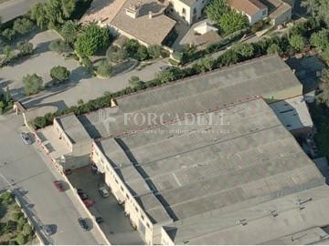 Edifici industrial en venda o lloguer d'3.256 m² - Sant Joan Despi, Barcelona