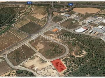 Solar industrial en venda de 10.294 m² - Calafell, Tarragona.