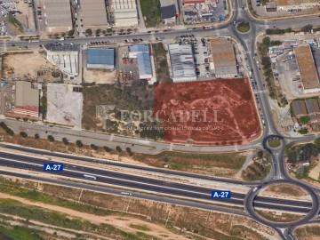 Solar industrial en venta de 5336 m² - Montcada i Reixach, Barcelona