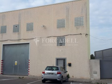 Nave industrial en venta o alquiler de 600 m² - Ripollet, Barcelona