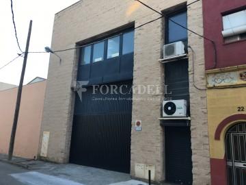 Nave industrial en alquiler de 2.067m² - Sant Joan Despi, Barcelona