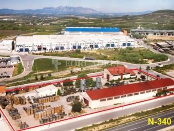 Nau industrial en venda de 1.968 m² - Badalona, Barcelona