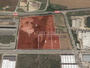 Solar Industrial  en venta/Alquiler - 6.085 m² - Pol. Can Calderon. Cod. 5935