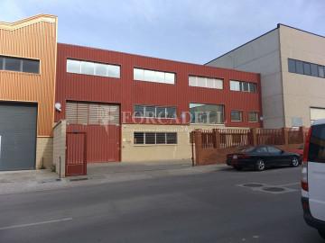 Nau corporativa d'obra nova de 2.054 m² en venda a Barcelona