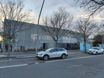 Nau corporativa d'obra nova de 7.296 m² en venda a Barcelona