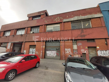 Nau industrial en venda o lloguer d'5.520 m² - Montcada i Reixac, Barcelona