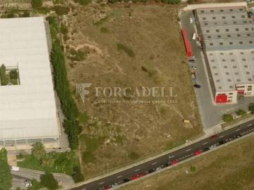 Solar industrial de 3.780 m² a la venda - Palleja, Barcelona