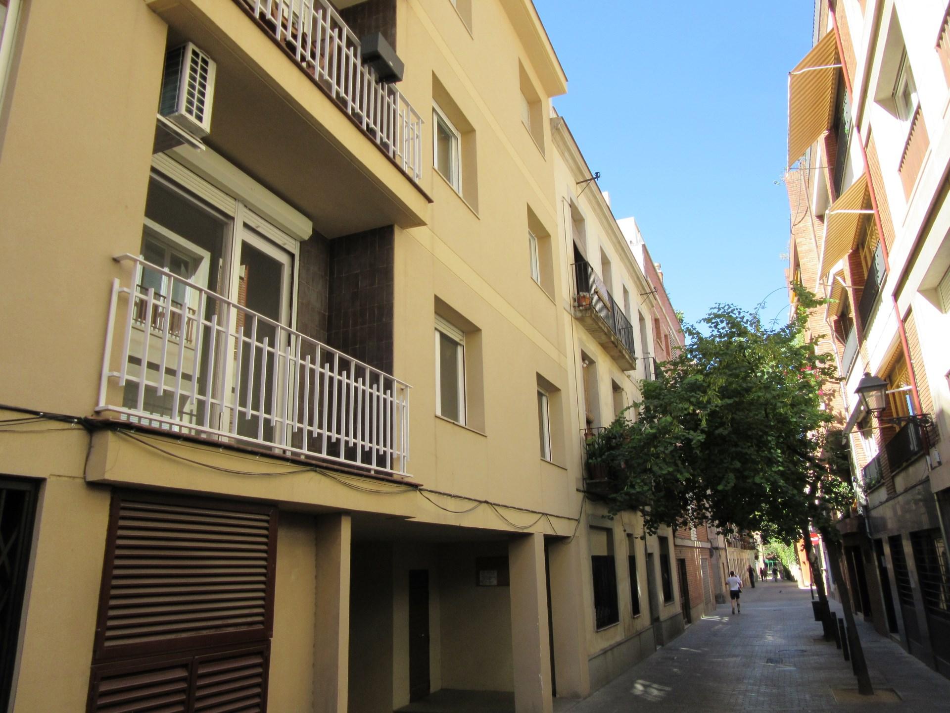Pis de lloguer de dos dormitoris i pla a d 39 aparcament en el barri de sarri de barcelona - Lloguer pis barcelona particular ...