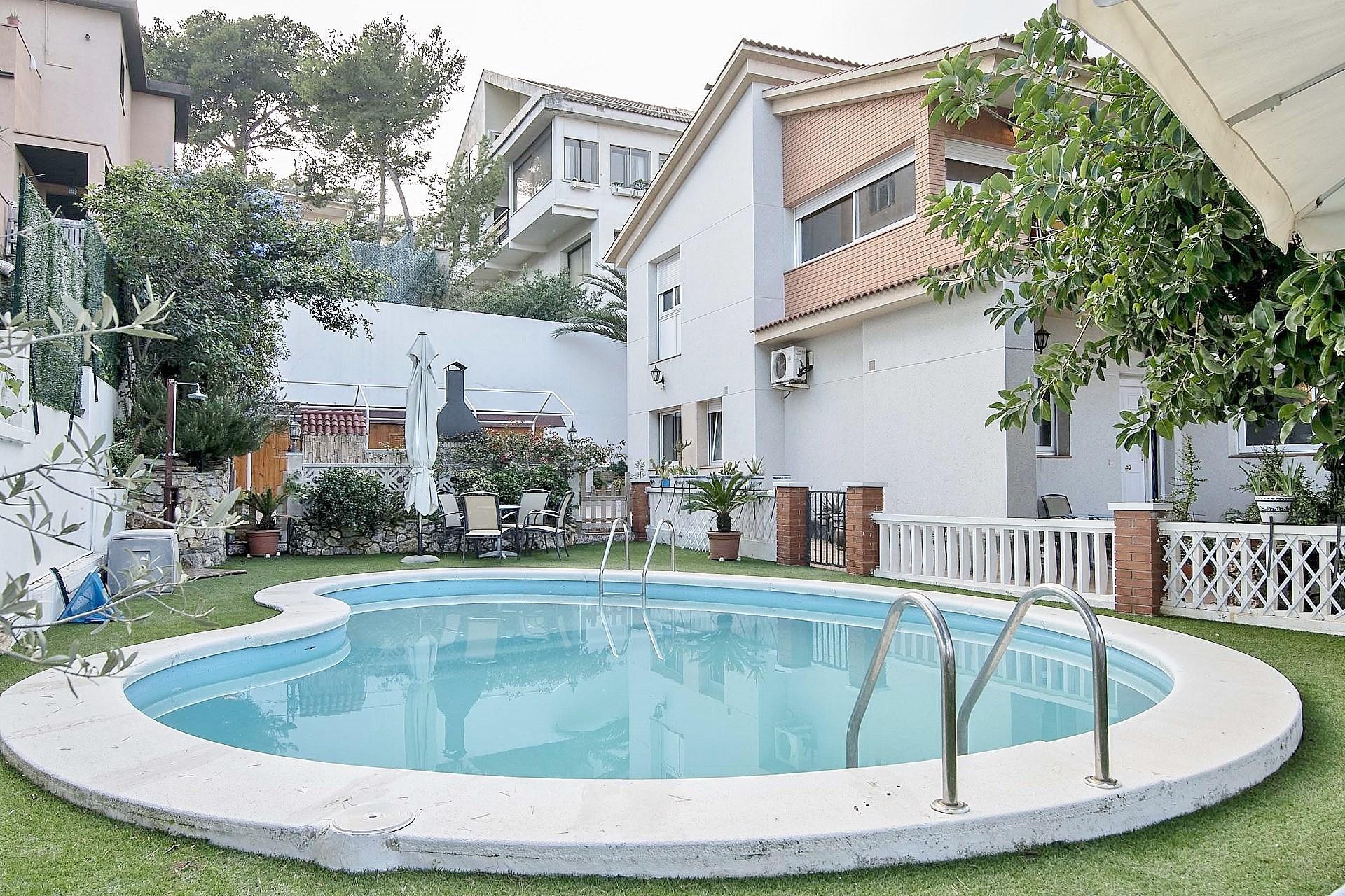 Casa espectacular en venta en Castelldefels de Barcelona ...