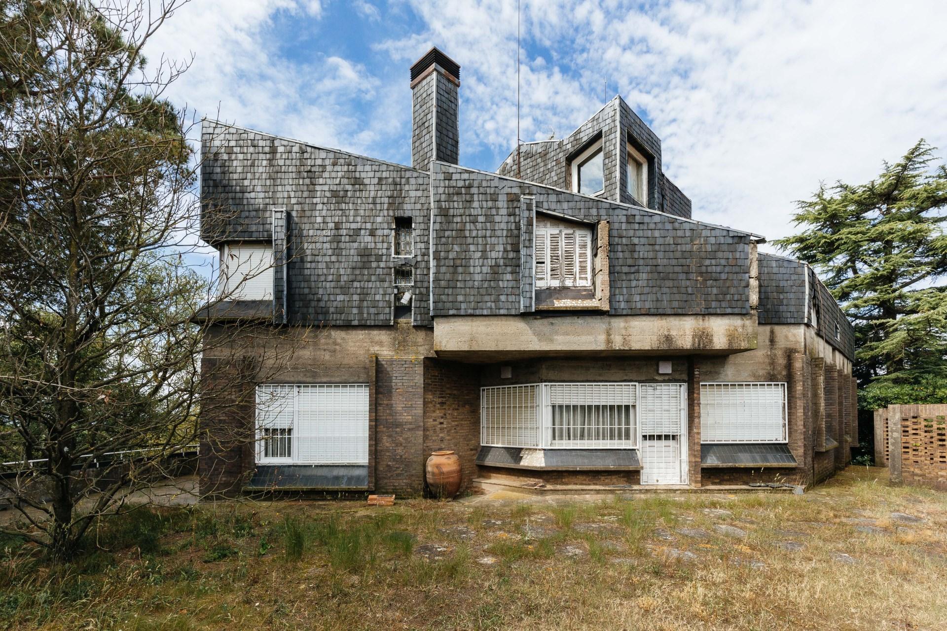 Casa de obra vista con firma de arquitectos de renombre de for Busco arquitecto