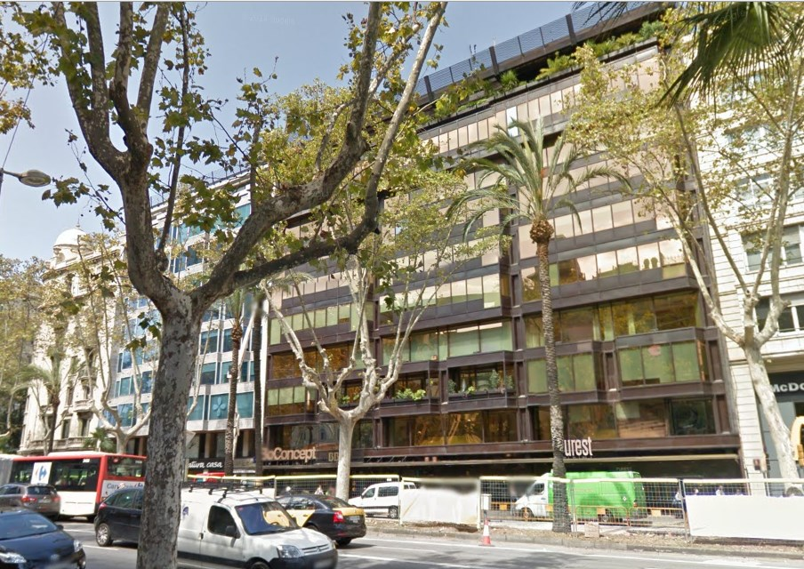 Oficina lluminosa en lloguer venta a av diagonal cod for Oficina treball barcelona