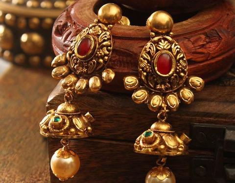 d373392d35b Kundan Necklaces. Antique Bangles. Antique Earrings