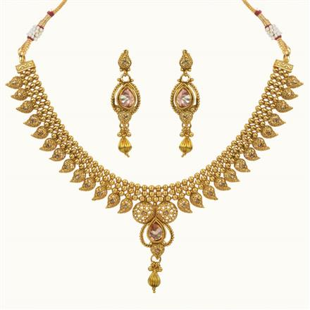 10682 Antique Classic Necklace with gold plating