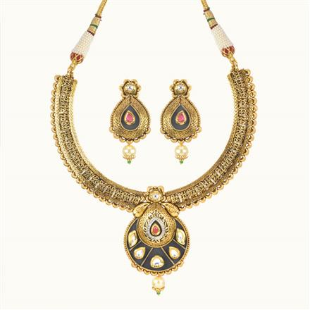 11011 Antique Classic Necklace with gold plating