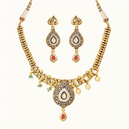 11052 Antique Classic Necklace with gold plating