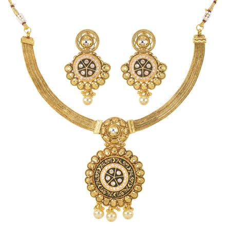 11492 Antique Classic Necklace with gold plating