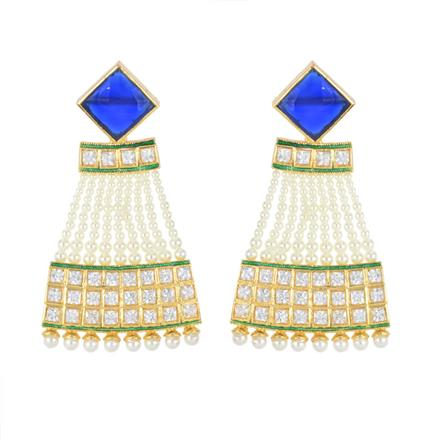 11532 Antique Classic Earring with gold plating