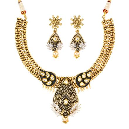 11588 Antique Classic Necklace with gold plating