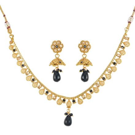 11752 Antique Classic Necklace with gold plating