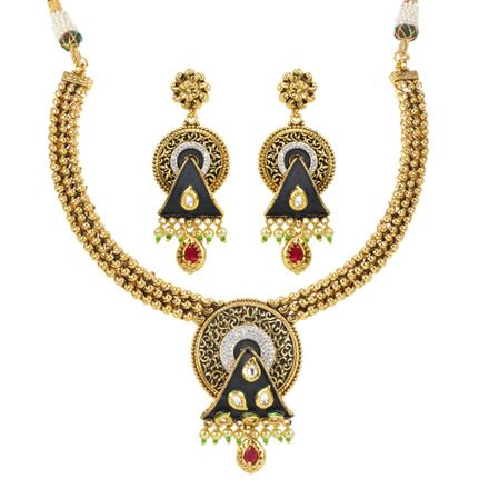 11995 Antique Classic Necklace with gold plating