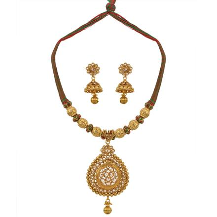 13365 Antique Classic Necklace with gold plating