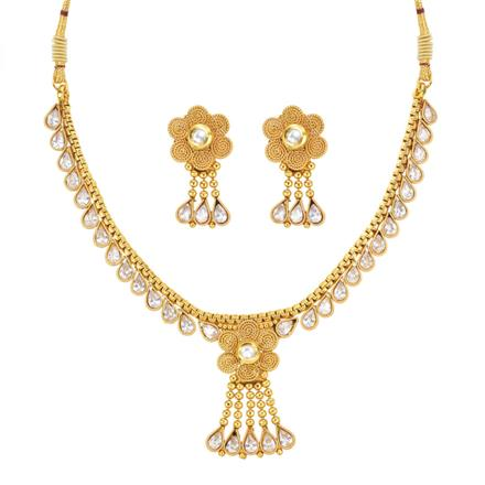 13815 Antique Delicate Necklace with gold plating