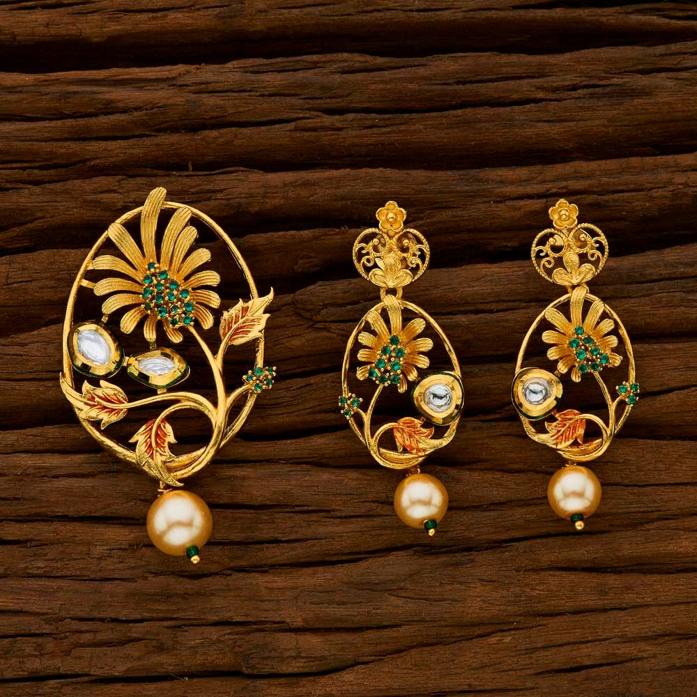 Buy 15711 Antique Classic Pendant Set with gold plating online at