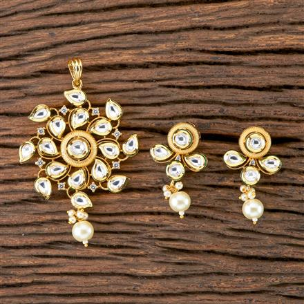 300265 Kundan Classic Pendant set with Gold Plating