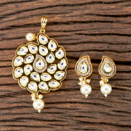 300279 Kundan Classic Pendant set with Gold Plating