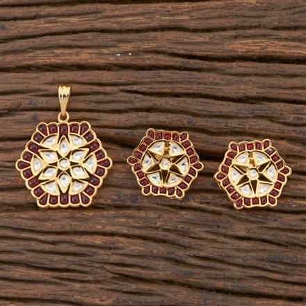 300593 Kundan Delicate Pendant Set With Gold Plating
