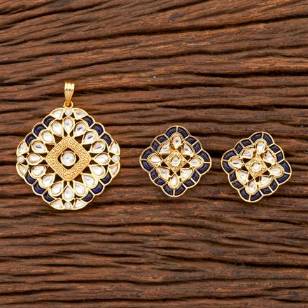 300648 Kundan Classic Pendant Set With Gold Plating