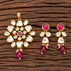 300649 Kundan Classic Pendant Set With Gold Plating