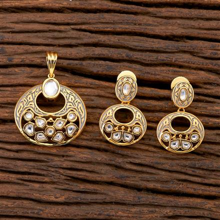 300666 Kundan Delicate Pendant set with gold plating