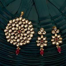 300697 Kundan Classic Pendant set with gold plating