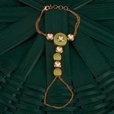 300744 Kundan Classic Hath Pan With Gold Plating