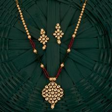 300761 Kundan Classic Pendant Set With Gold Plating