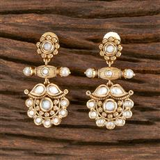 300853 Kundan Delicate Earring With Gold Plating