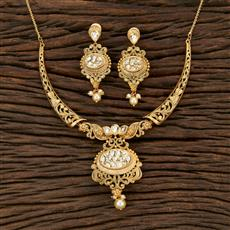 301124 Kundan Classic Necklace With Matte Gold Plating