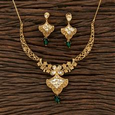 301127 Kundan Delicate Necklace With Matte Gold Plating