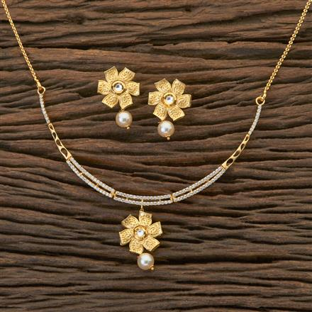 350441 Kundan Classic Necklace With Gold Plating
