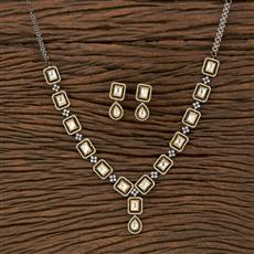 350663 Kundan Classic Necklace With Black Plating