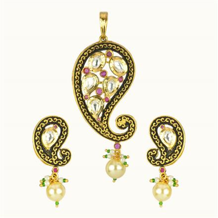 40127 Kundan Fusion Pendant Set with gold plating
